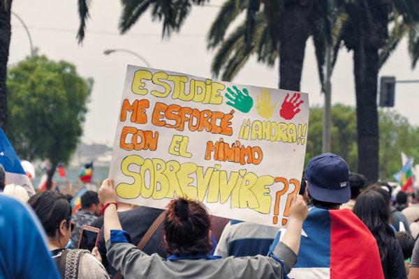 Protestation chilienne, l'endettement des étudiant·es pour des débouchés pauvres pose problème